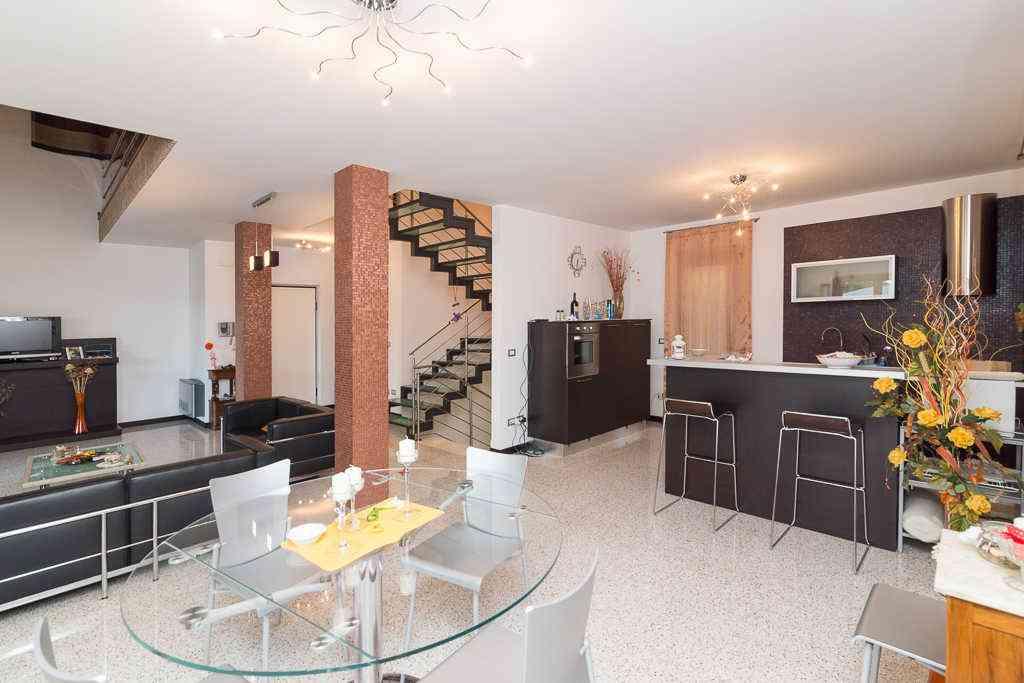 Villa Villa for sale Collecorvino (PE), Villa Pini - Collecorvino - EUR 549.964 290
