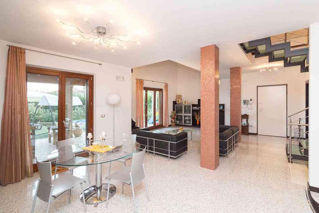 Villa Villa for sale Collecorvino (PE), Villa Pini - Collecorvino - EUR 549.964 300