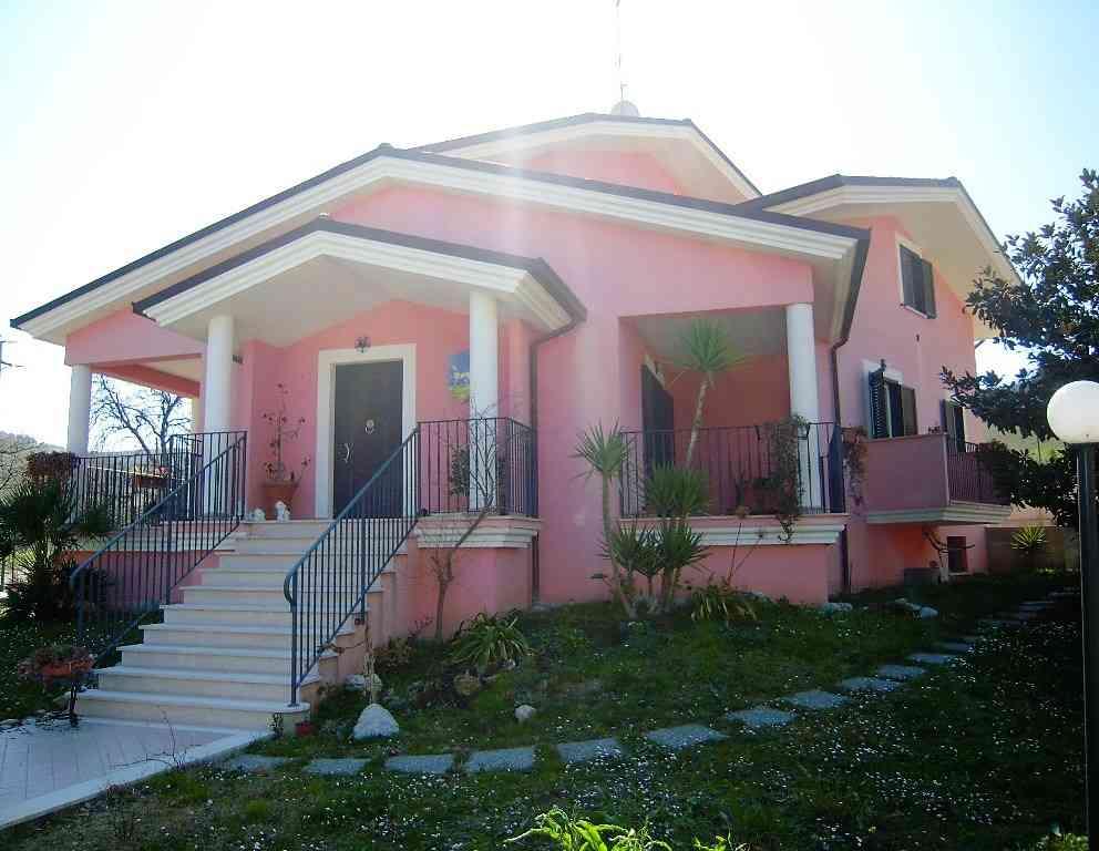 Villa Villa for sale Pineto (TE), Villa Fiorella - Pineto - EUR 415.677 10