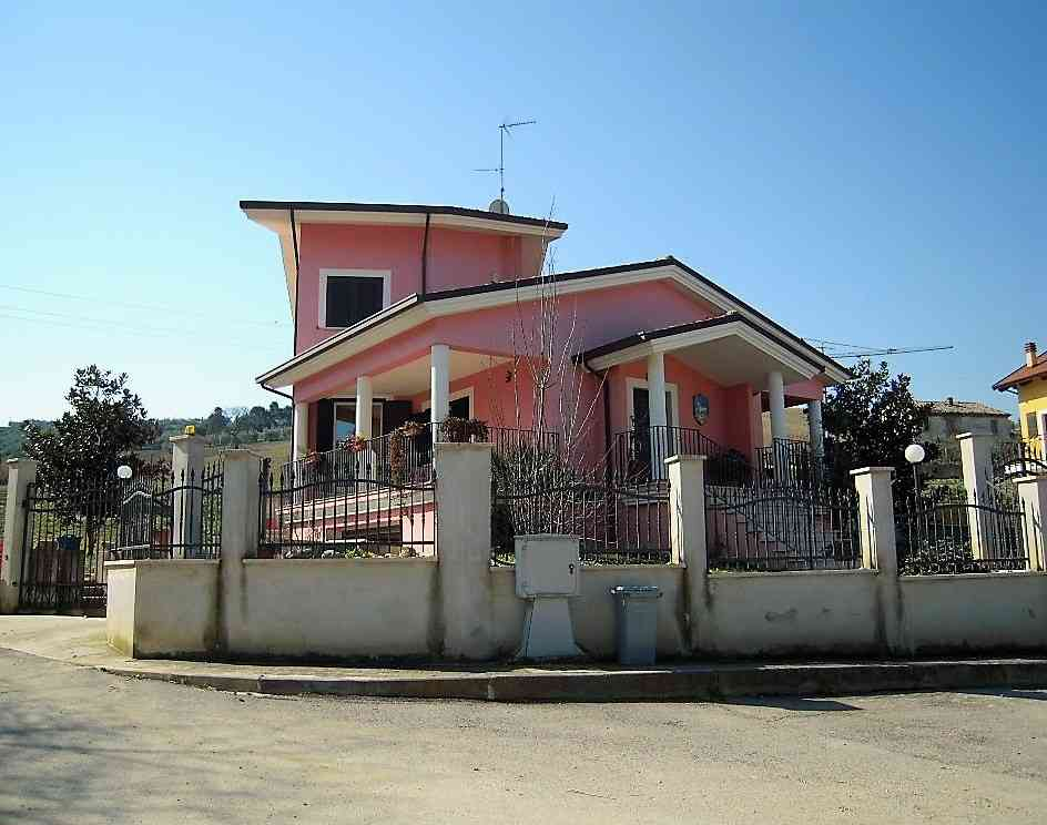 Villa Villa in vendita Pineto (TE), Villa Fiorella - Pineto - EUR 415.677 140