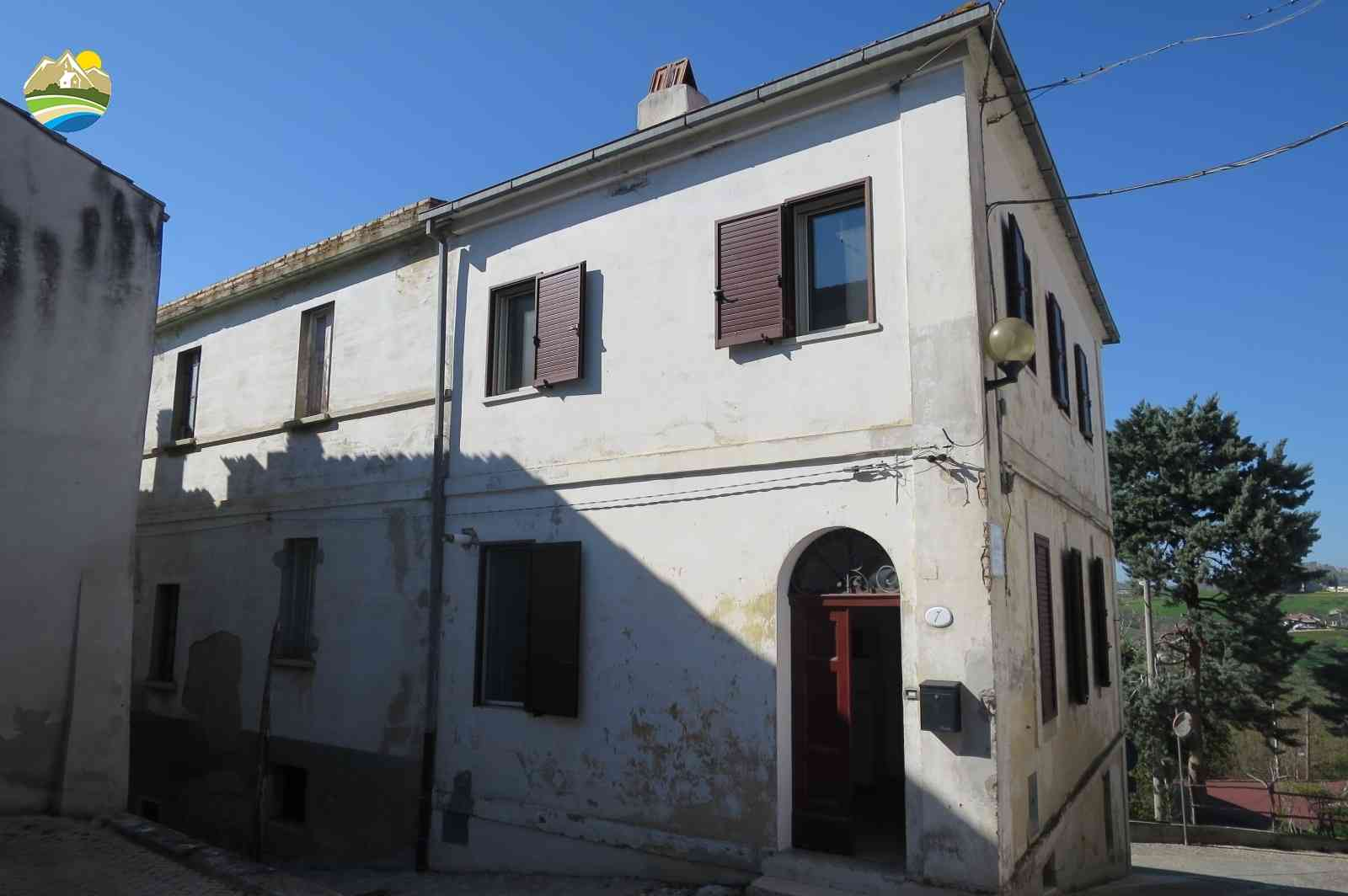 Casa in paese Casa Luisa - Elice - EUR 130.641