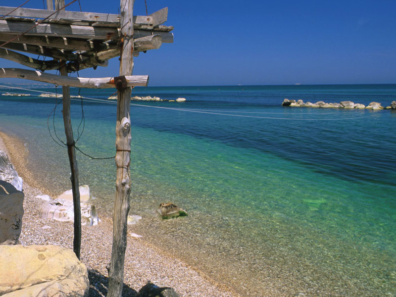 The sea of Abruzzo knows how to make itself unforgettable