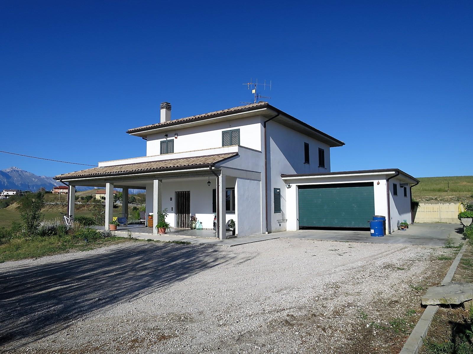 Country Houses Country Houses for sale Montefino (TE), Villa Como - Montefino - EUR 251.198 10