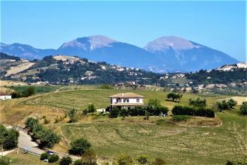 Casa di campagna Villa Como - Montefino - EUR 221.663