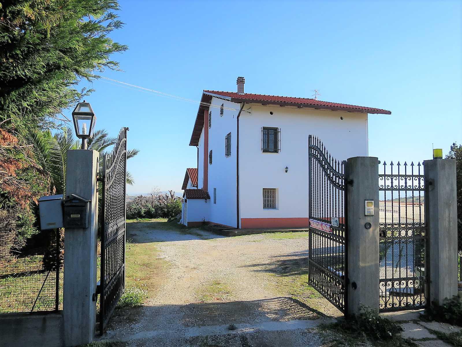 Villa Villa in vendita Notaresco (TE), Villa Vigneto - Notaresco - EUR 382.044 10
