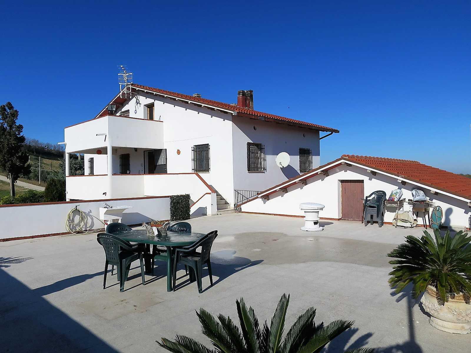 Villa Villa in vendita Notaresco (TE), Villa Vigneto - Notaresco - EUR 382.044 270