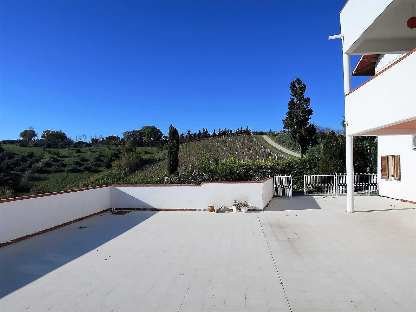 Villa Villa in vendita Notaresco (TE), Villa Vigneto - Notaresco - EUR 382.044 320