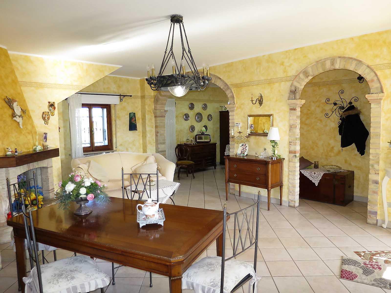 Villa Villa in vendita Notaresco (TE), Villa Vigneto - Notaresco - EUR 382.044 330