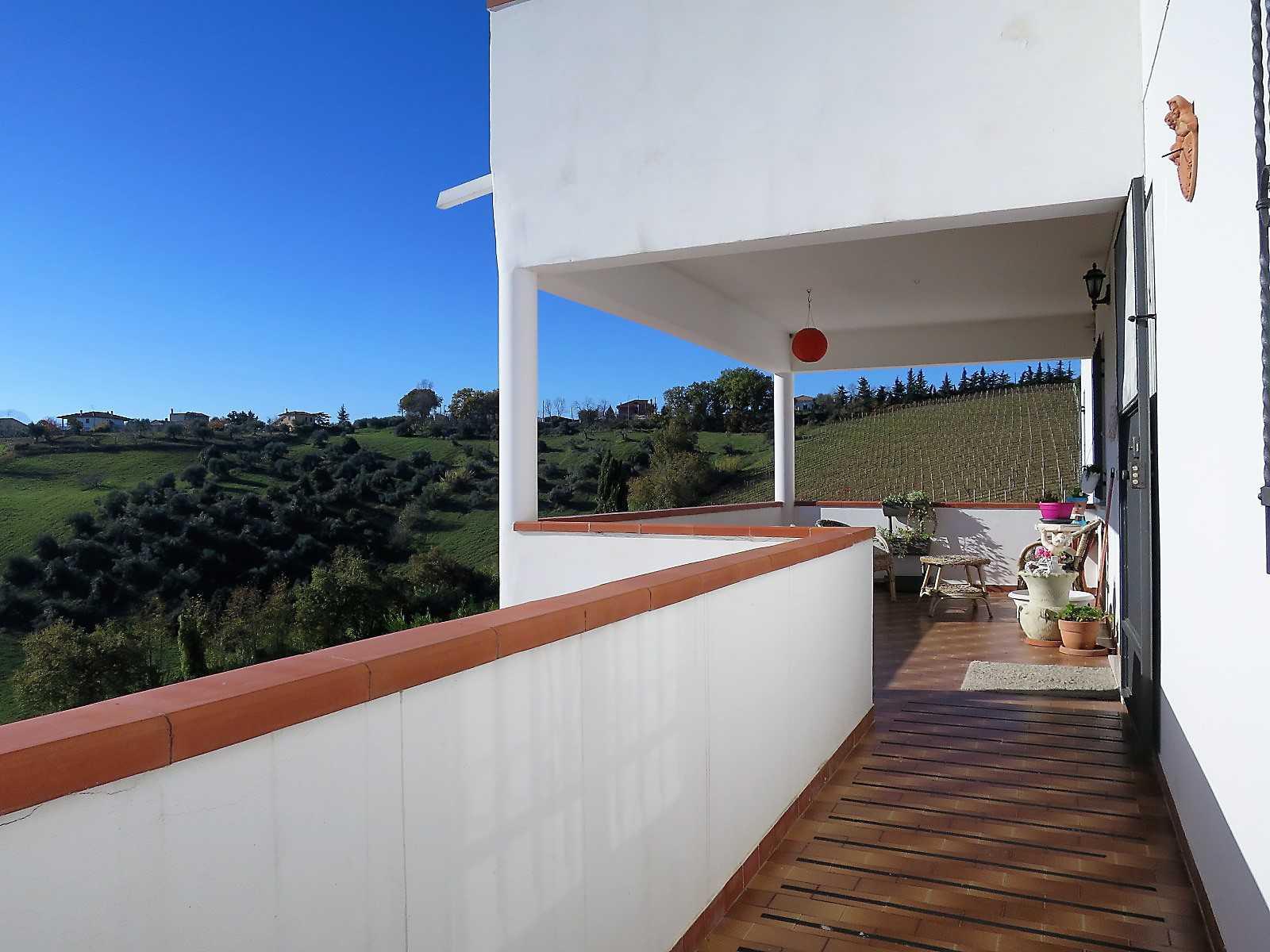 Villa Villa in vendita Notaresco (TE), Villa Vigneto - Notaresco - EUR 382.044 410