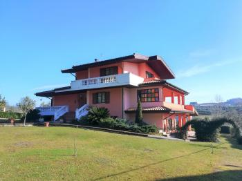 Country Houses Villa Valentino - Penne - EUR 431.839