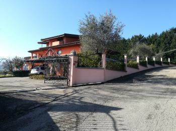 Country Houses Country Houses for sale Penne (PE), Villa Valentino - Penne - EUR 432.293 350 small