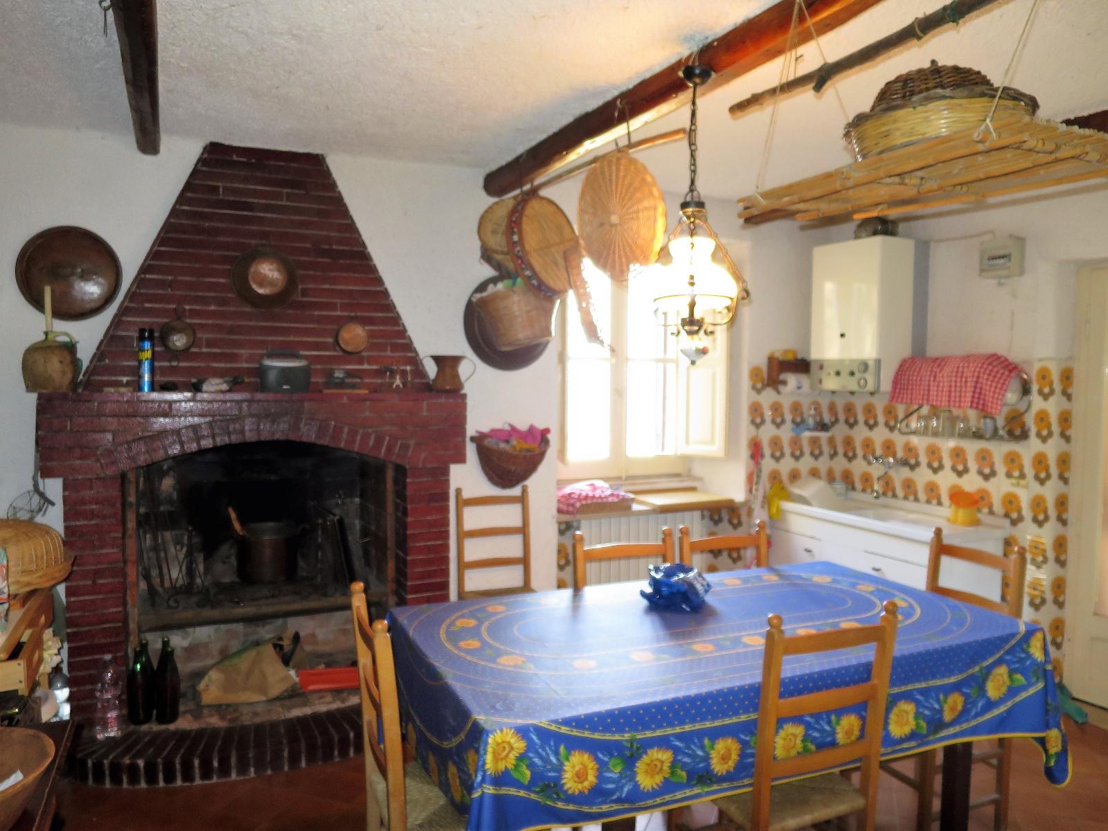 Country Houses Country Houses for sale Montebello di Bertona (PE), Casa Parco - Montebello di Bertona - EUR 195.521 450