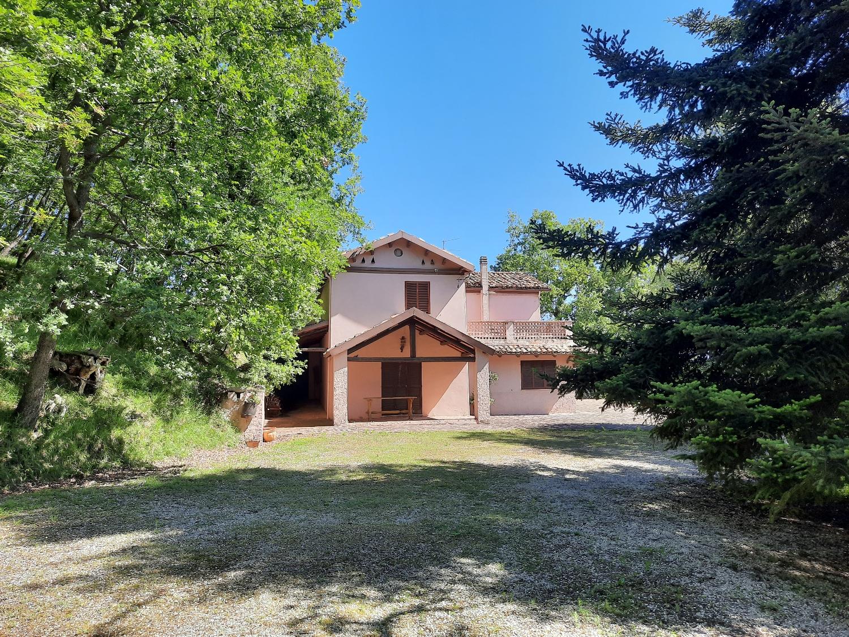 Country Houses Country Houses for sale Montebello di Bertona (PE), Casa Parco - Montebello di Bertona - EUR 195.521 550