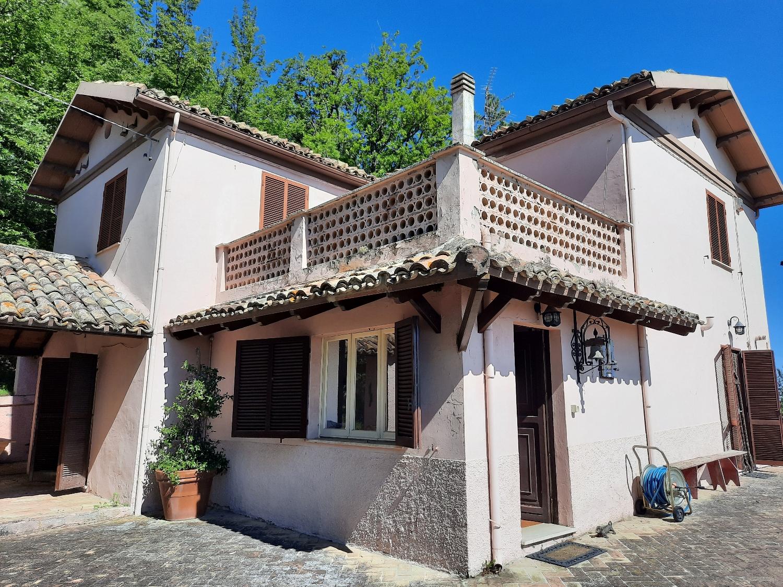 Country Houses Country Houses for sale Montebello di Bertona (PE), Casa Parco - Montebello di Bertona - EUR 195.521 560