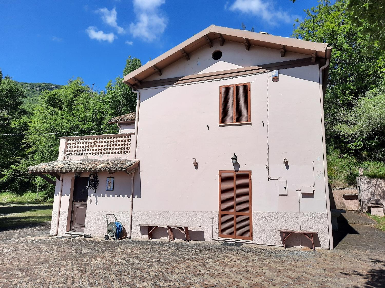 Country Houses Country Houses for sale Montebello di Bertona (PE), Casa Parco - Montebello di Bertona - EUR 195.521 590