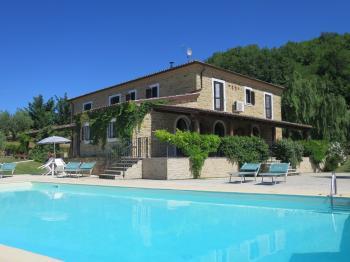 Villa Villa Mimosa - Castiglione Messer Raimondo - EUR 814.973