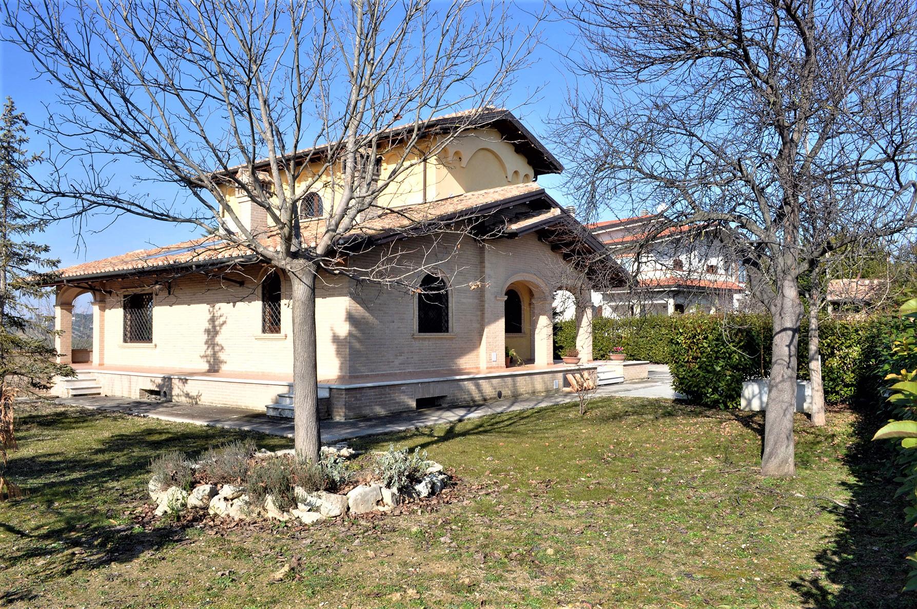 Villa Villa for sale Tortoreto (TE), Villa Bianca - Tortoreto - EUR 770.233 380