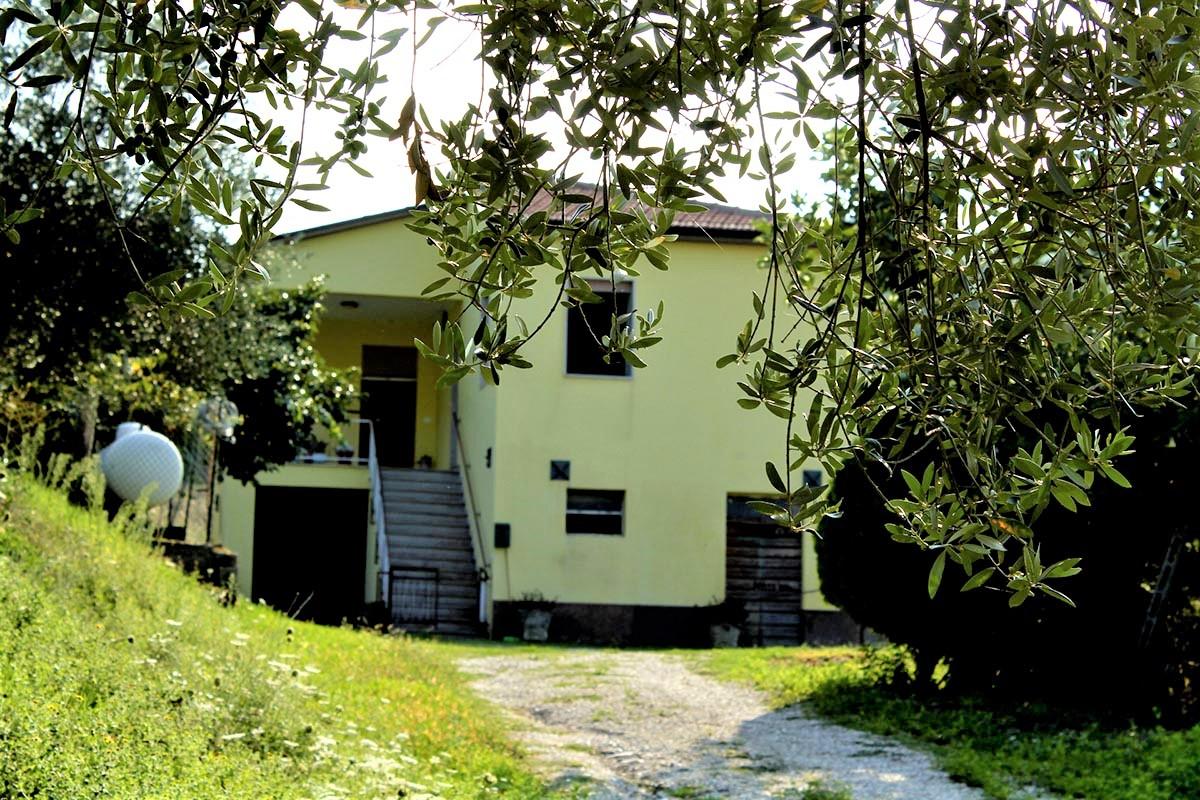 Country Houses Country Houses for sale Castiglione Messer Raimondo (TE), Yellow House - Castiglione Messer Raimondo - EUR 129.011 390