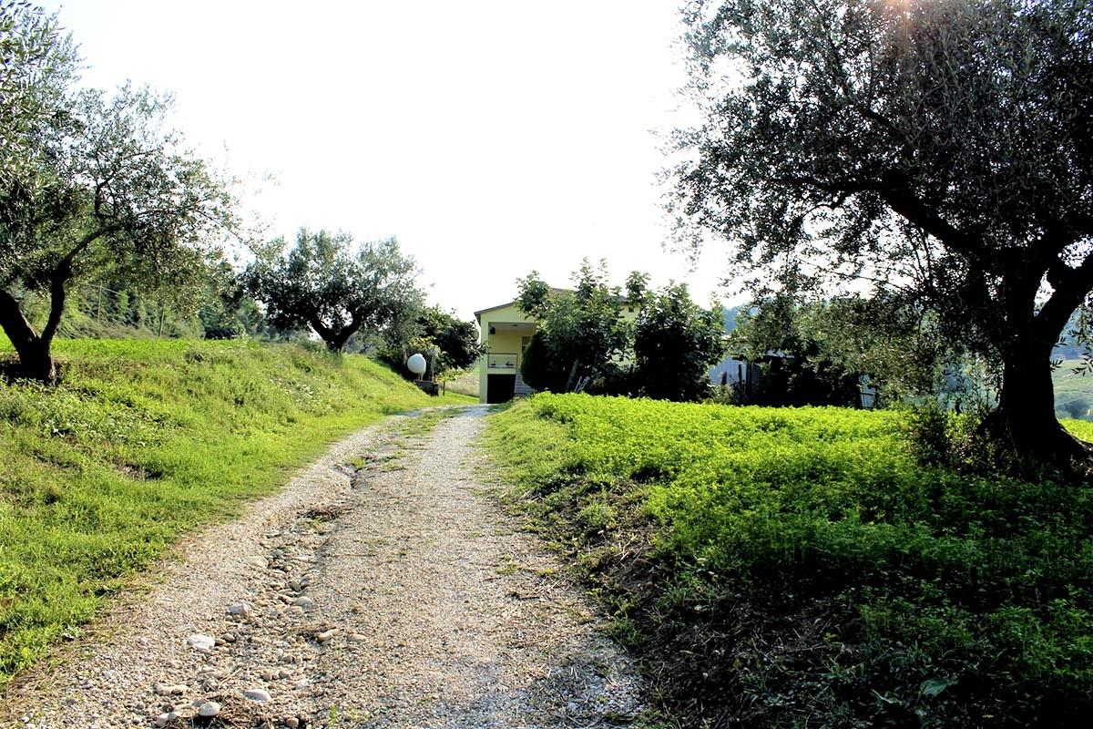 Country Houses Country Houses for sale Castiglione Messer Raimondo (TE), Yellow House - Castiglione Messer Raimondo - EUR 129.011 420