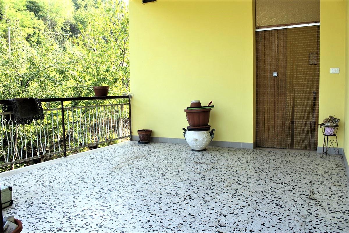 Country Houses Country Houses for sale Castiglione Messer Raimondo (TE), Yellow House - Castiglione Messer Raimondo - EUR 129.011 440