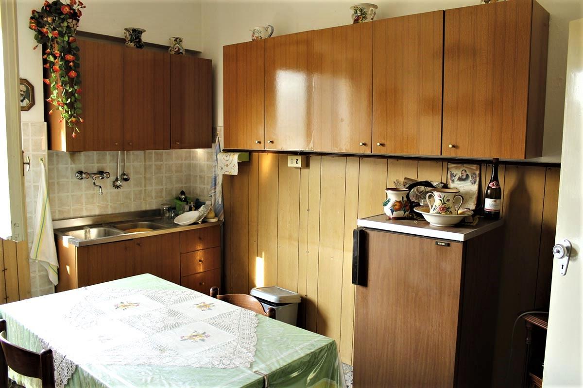 Country Houses Country Houses for sale Castiglione Messer Raimondo (TE), Yellow House - Castiglione Messer Raimondo - EUR 129.011 470