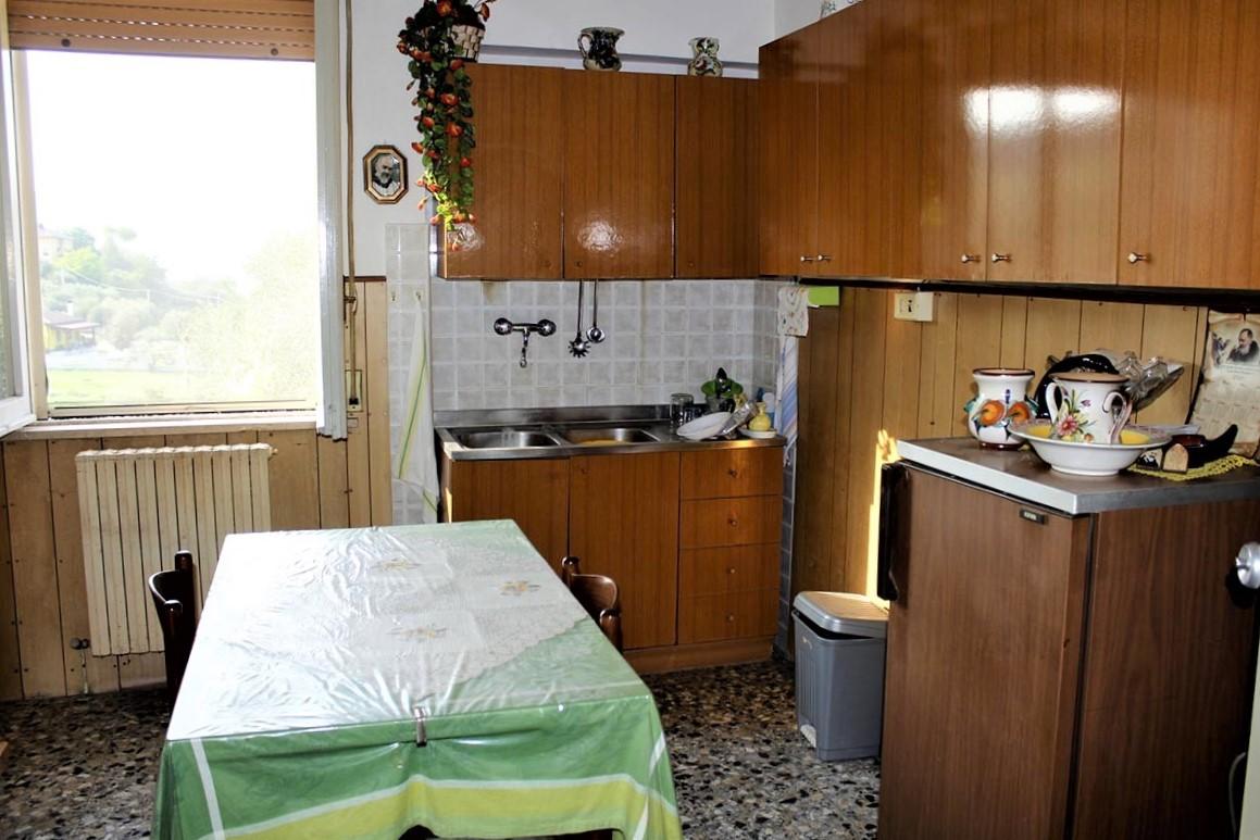 Country Houses Country Houses for sale Castiglione Messer Raimondo (TE), Yellow House - Castiglione Messer Raimondo - EUR 129.011 480