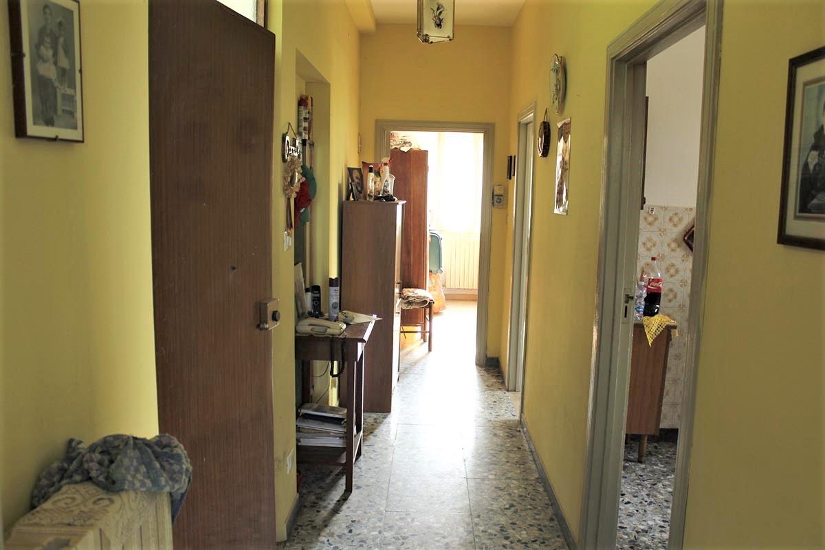 Country Houses Country Houses for sale Castiglione Messer Raimondo (TE), Yellow House - Castiglione Messer Raimondo - EUR 129.011 500