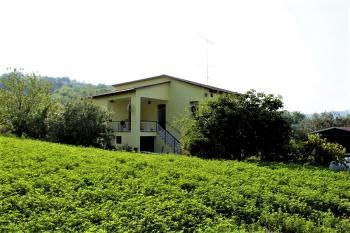 Country Houses Country Houses for sale Castiglione Messer Raimondo (TE), Yellow House - Castiglione Messer Raimondo - EUR 129.011 400 small