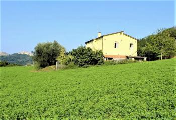 Country Houses Country Houses for sale Castiglione Messer Raimondo (TE), Yellow House - Castiglione Messer Raimondo - EUR 129.011 410 small
