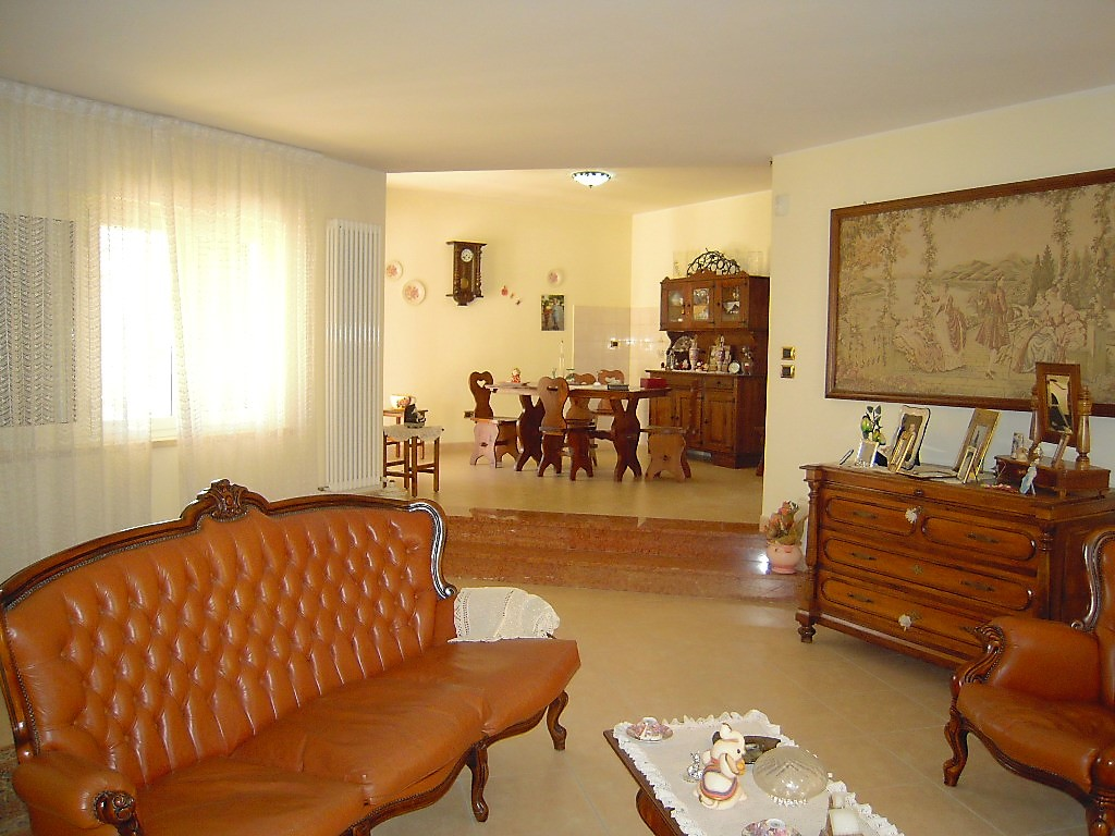 Villa Villa for sale Pineto (TE), Villa Fiorella - Pineto - EUR 380.559 70