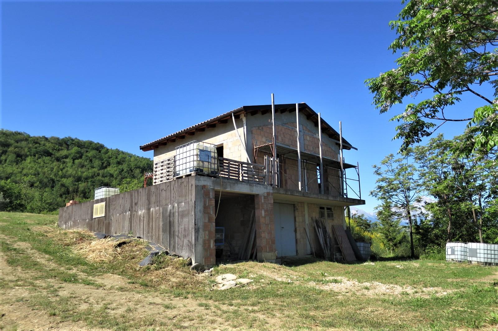 Country Houses Country Houses for sale Castiglione Messer Raimondo (TE), Casa Paradiso - Castiglione Messer Raimondo - EUR 181.096 540