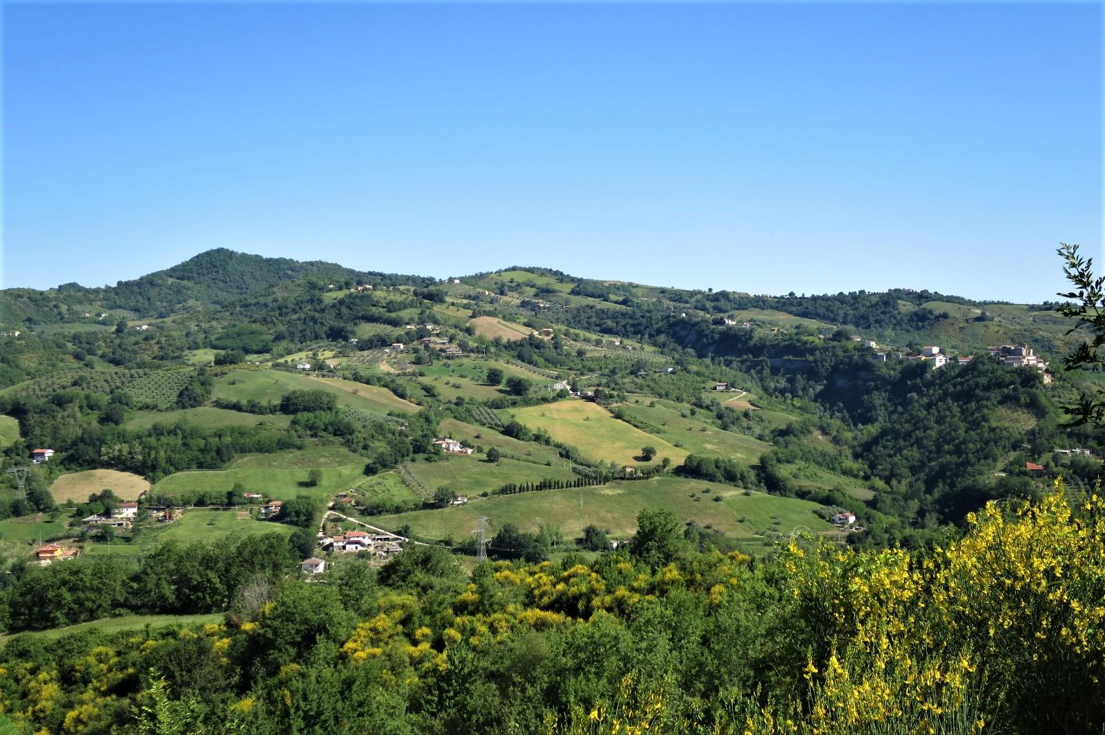 Country Houses Country Houses for sale Castiglione Messer Raimondo (TE), Casa Paradiso - Castiglione Messer Raimondo - EUR 181.096 670