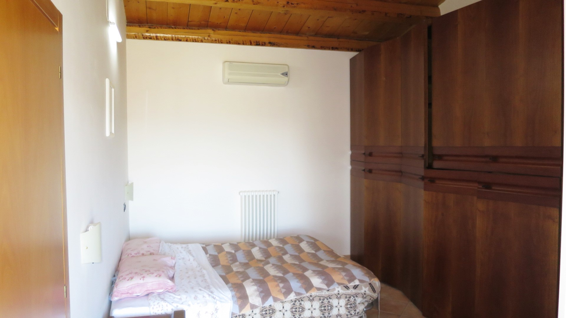 Country Houses Country Houses for sale Cellino Attanasio (TE), Casa Feudi - Cellino Attanasio - EUR 198.728 140