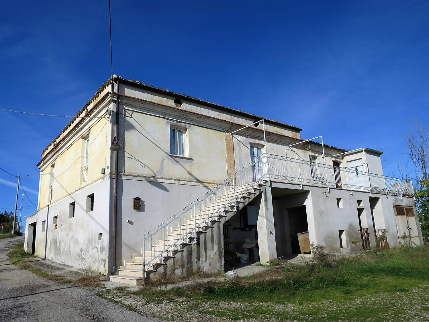Country Houses Country Houses for sale Elice (PE), Casa Frantoio - Elice - EUR 182.886 170