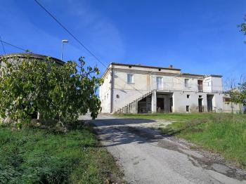 Country Houses Country Houses for sale Elice (PE), Casa Frantoio - Elice - EUR 182.886 70 small